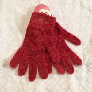 Red fuzzy gloves NWT - BUNDLE ONLY